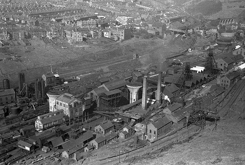 impact of industrialisation of wales Deindustrialisation: south wales south wales has experienced both growth and decline as an industrial area during the 19 th century southern wales became a vitally important industrial area, for both iron and steel production the steep valleys, with their fast flowing rivers, provided power and transport.