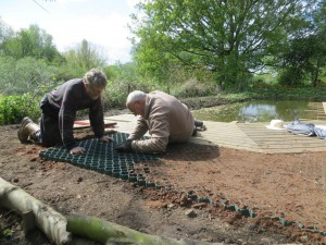 Laying ecogrid for level paths