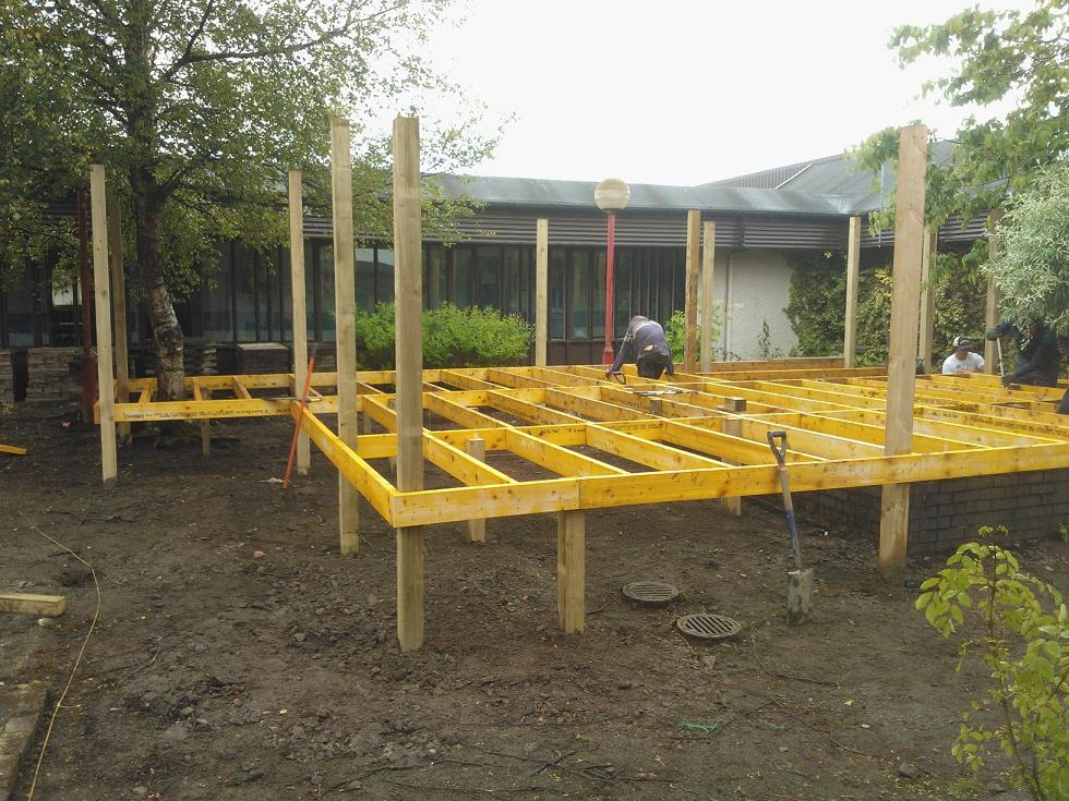 Growing platform for wheel chair users tcv scotland for Raised platform bed