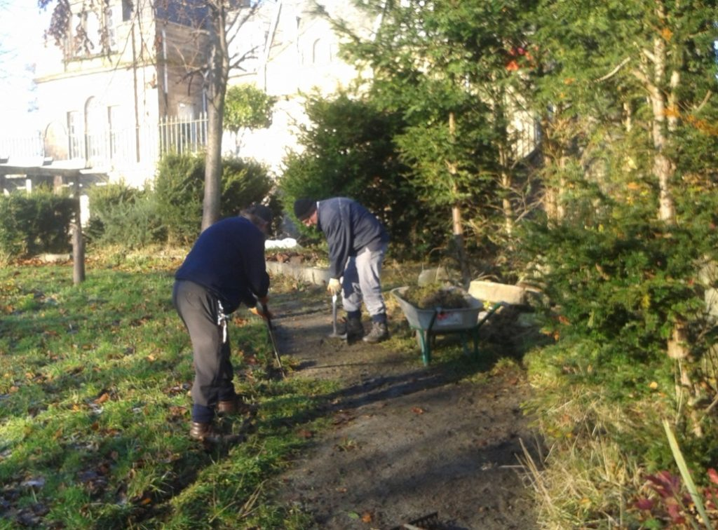 Footpath maintenance in action at Gracemount